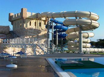 Развлекательный комплекс Башня в аквапарке Золотая бухта