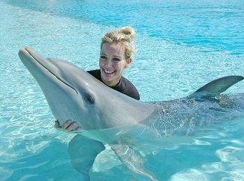 Самое забавное развлечение в дельфинарии