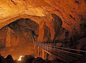 Самая большая в мире - Новоафонская пещера под Иверской горой