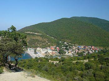 Поселок городского типа Абрау-Дюрсо, где расположен завод шампанских вин