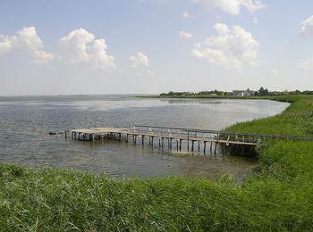 Витязевский лиман, омывающий курортный поселок