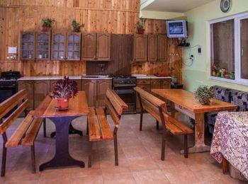 Гости могут самостоятельно готовить на оборудованной кухне