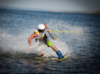 Мрские развлечения - водные лыжи