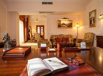 Уютная обстановка и теплая атмосфера отеля