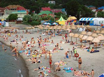 Очень пологий удобный пляж Дюрсо