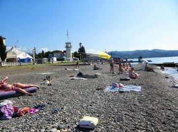 Центральный городской галечный пляж в Сухуми