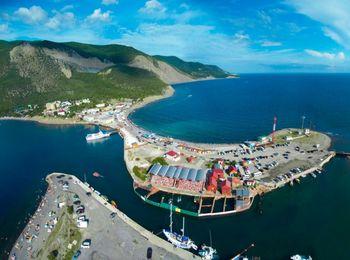 Уютный поселок Большой Утриш на берегу Черного моря