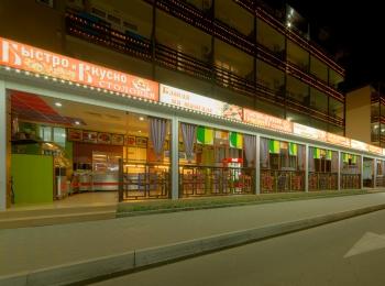 Ресторанная зона при отеле для полноценного отдыха туристов