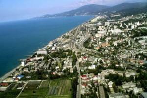 Курортный город Адлер и набережная Черного моря на фото с высоты