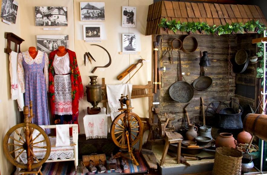 Исторические русские предметы быта в Адлеровском музее