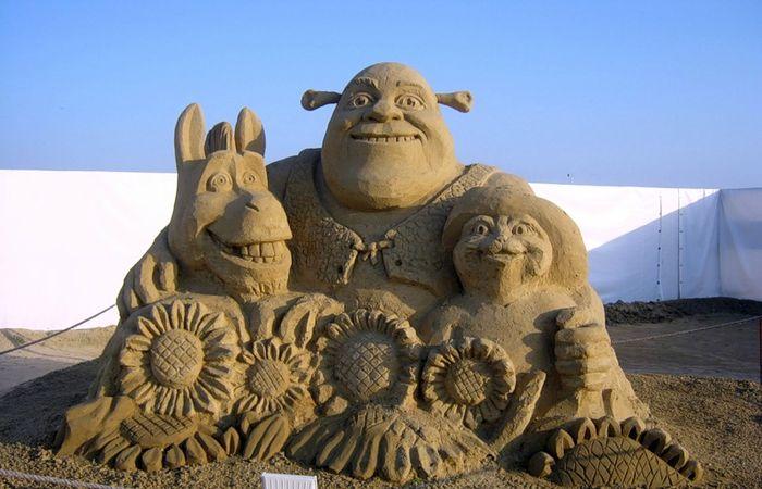 Зрелищные скульптуры из песка