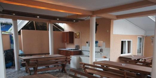Кухонный дворик для совместного использования постояльцами эконом-номеров