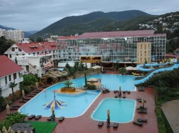 Красивый большой отель