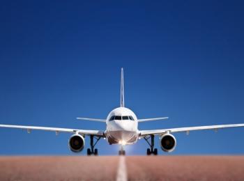 До этого курорта можно добраться самолетом - через сочинский аэропорт