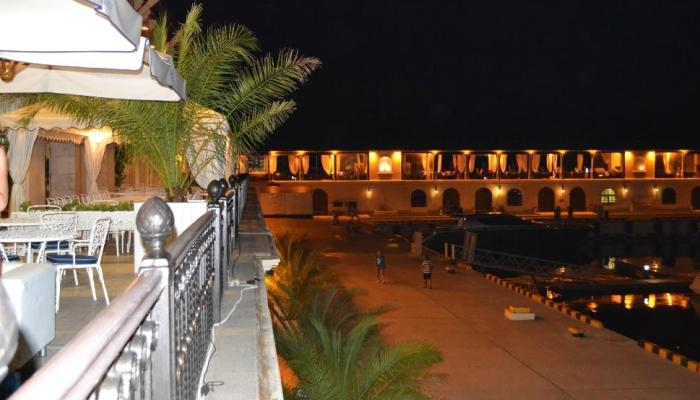 Вид с ресторана Чайка в ночное время