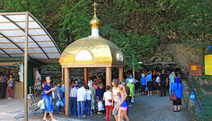 Святой источник в православном комплексе Святая Ручка