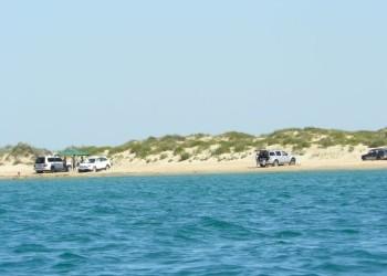 Дикий пляж - один из популярных среди посетителей города