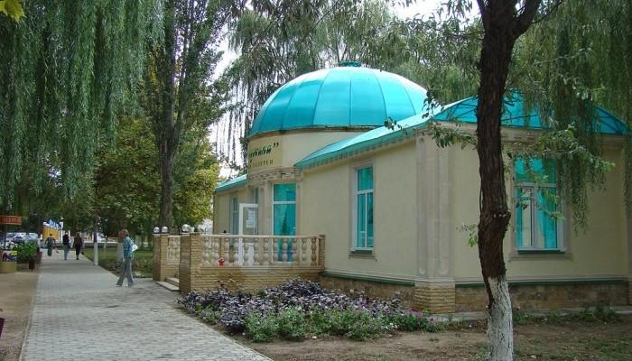 Здание питьевой галереи с минеральными водами Жемчужина