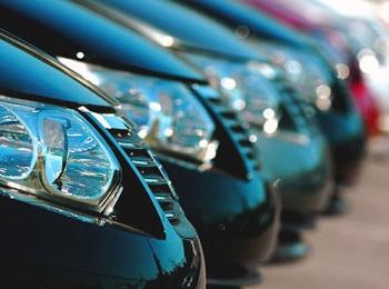 В автопарке с простым названием Аренда Авто можно найти любую марку машины - по вкусу