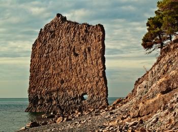 Обязательно посетите чудо природы - скалу Парус