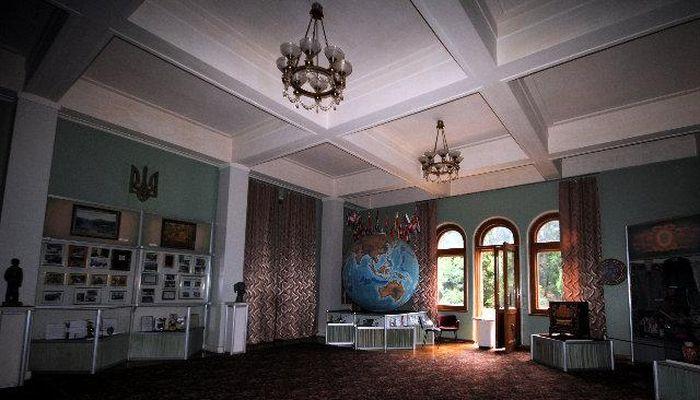 Просторные залы дворца