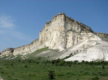 Белоснежная скала Ак-Кая