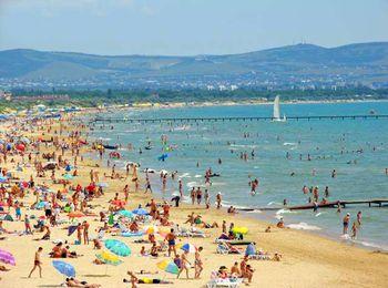 Песчаные и галечные пляжи