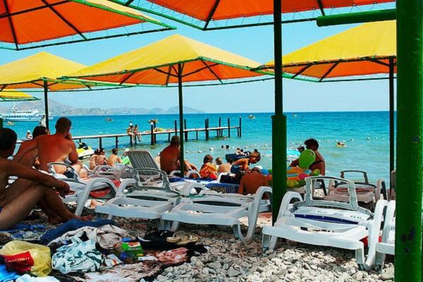 Красивый центральный пляж