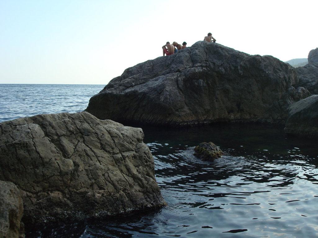 Камни в бухте Чехова