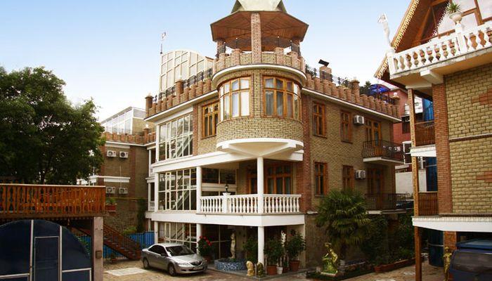 Четырехэтажный отель Вилла Амазонка
