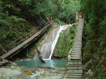 33 водопада в уютном поселке Головинка