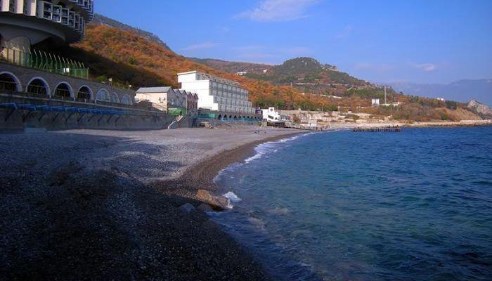 Мелкогалечный Золотой пляж