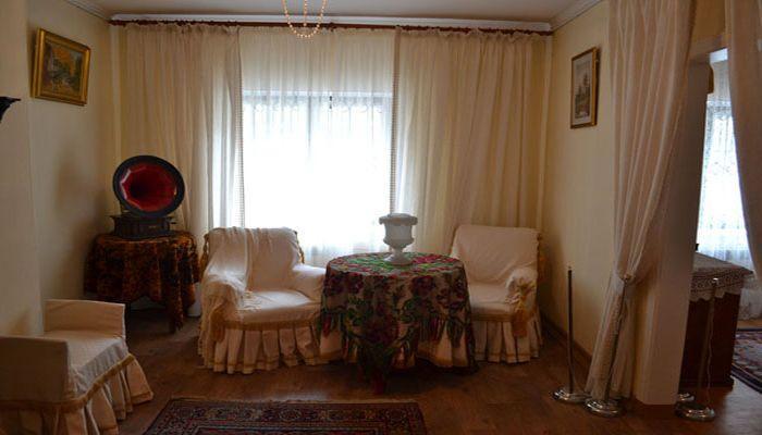 Квартира Дворецкого в Хозяйственном корпусе
