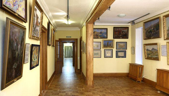 Тематические выставки дворца