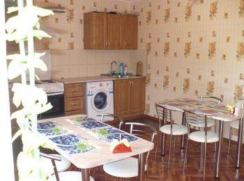 Оборудованная и чистая кухня