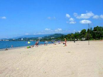 Чистое побережье пляжа Синоп