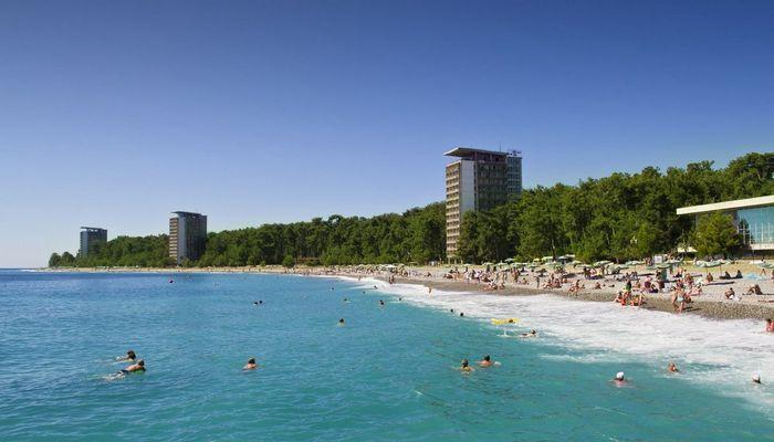 Песчано-галечный пляж