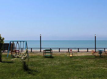 Синопский пляж в Абхазии