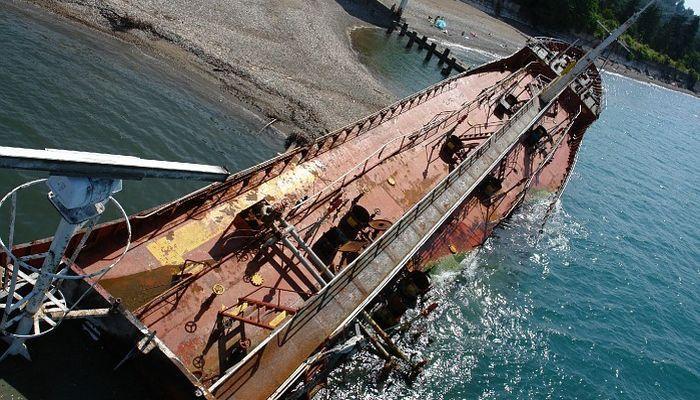 Турецкий корабль, выброшенный на берег